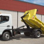 Customer GMC Truck with Multilift XR5 and Yellow Bin